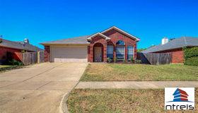 5012 Eastcreek Drive, Arlington, TX 76018
