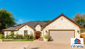 5724 Spencer Street, Forest Hill, TX 76119