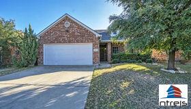 9221 Vineyard Lane, Fort Worth, TX 76123