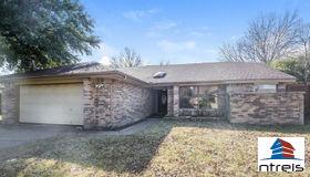 2509 Slaton Drive, Grand Prairie, TX 75052