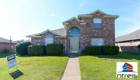 241 Birchwood Lane, Cedar Hill, TX 75104