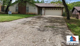 5406 Rimrock Court, Arlington, TX 76017