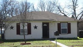 308 E Willingham Street, Cleburne, TX 76031