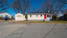 80 Lakeview Drive, Providence, RI 02910