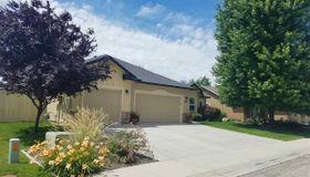 2951 N Blue Springs, Meridian, ID 83646-8236