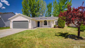 882 Valley St, Middleton, ID 83644