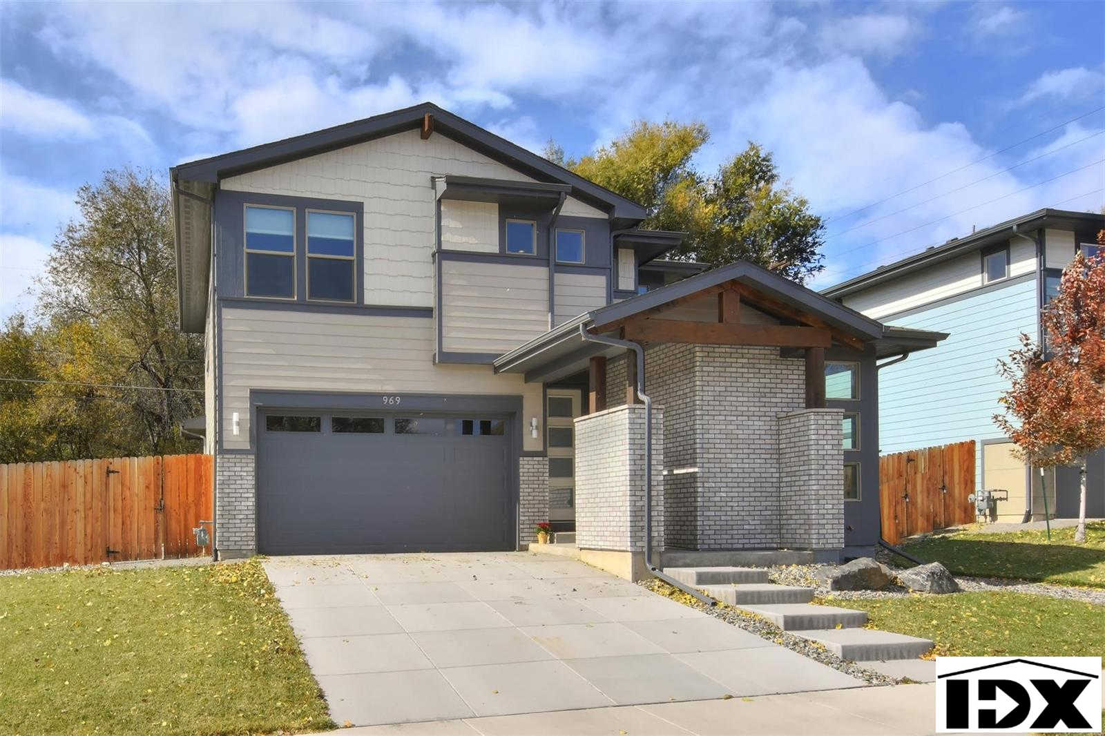 969 Eaton Street, Lakewood, CO 80214 now has a new price of $700,000!