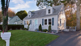 8 Maplevale Court, East Haven, CT 06512