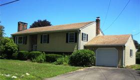 32 Hawks Nest Road, Old Lyme, CT 06371