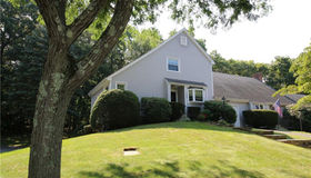 142 Running Brook #142, Shelton, CT 06484