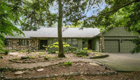 66 Highwood Drive, Manchester, CT 06040
