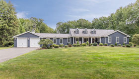 5 Country Court, Woodbridge, CT 06525