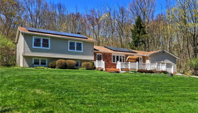 3 Fieldstone Drive, Woodbridge, CT 06525