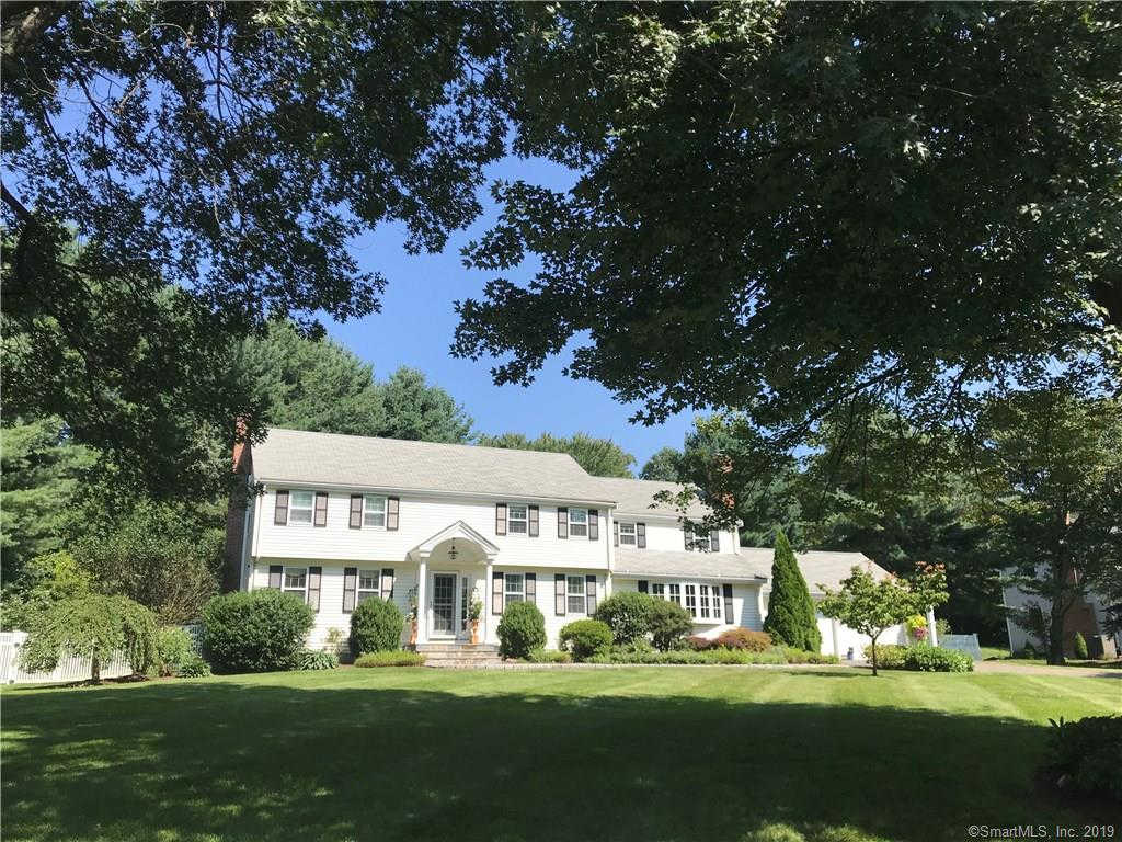 62 Winterset Lane, Simsbury, CT 06070 now has a new price of $519,000!