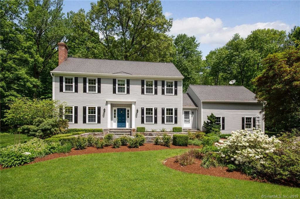 30 Banks Hill Place, Ridgefield, CT 06877 now has a new price of $900,000!