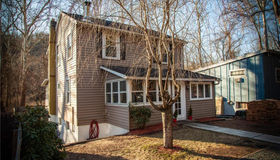 553 Roosevelt Drive, Oxford, CT 06478
