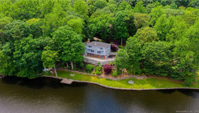 162 Old Dike Road, Trumbull, CT 06611