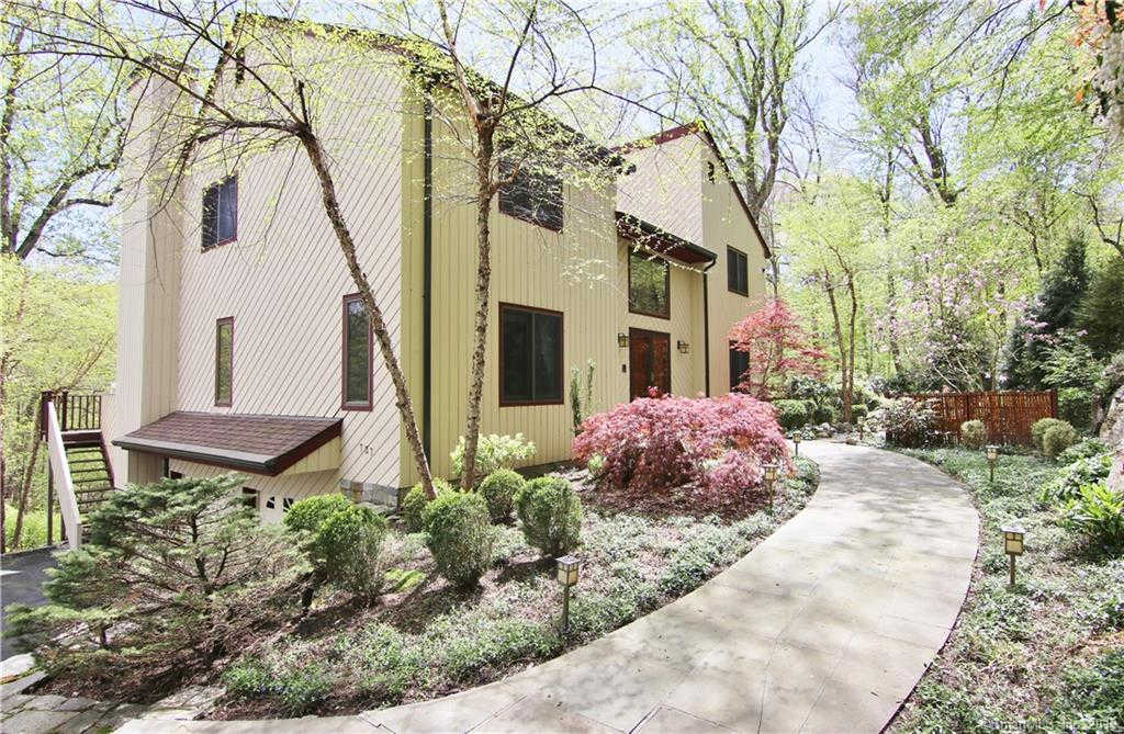 737 Rock Rimmon Road, Stamford, CT 06903 now has a new price of $775,000!