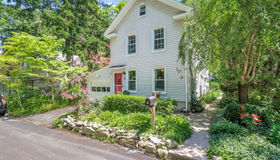 17 Pine Street, Newtown, CT 06482