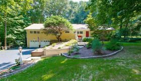 290 Hollydale Road, Fairfield, CT 06824