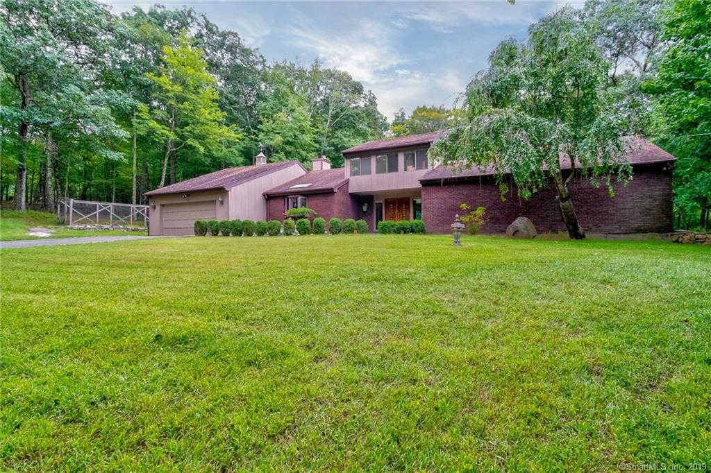 7 Pine Lake Road, Ridgefield, CT 06877 now has a new price of $599,900!