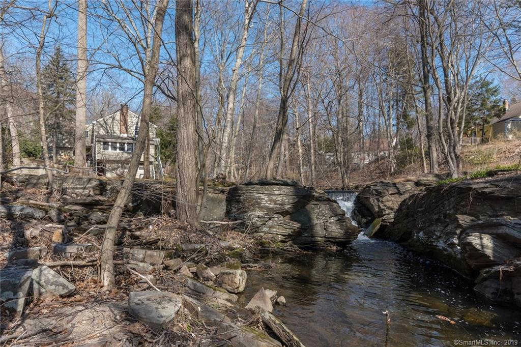 22 Creconoof Road, Fairfield, CT 06825 now has a new price of $630,000!