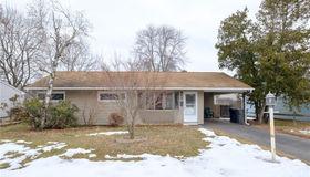 27 Birch Tree Road, Plainville, CT 06062
