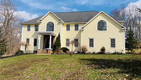 16 Apple Drive, Oxford, CT 06478