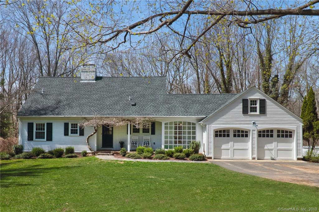 6 Robin Road, Woodbridge, CT 06525 is now new to the market!