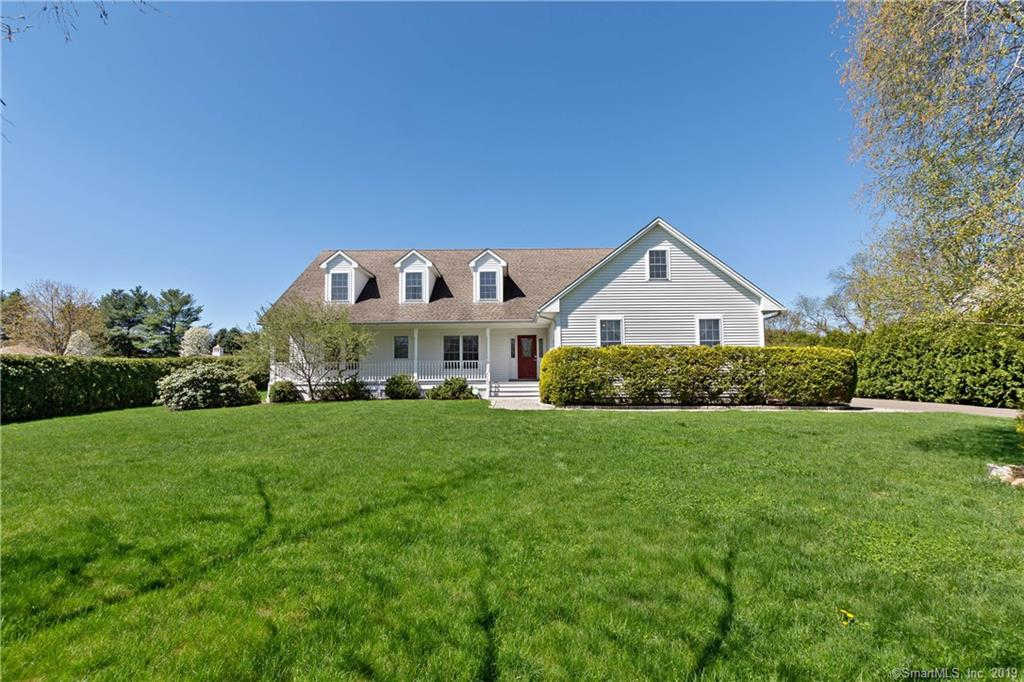 2721 Huntington Road, Trumbull, CT 06611 is now new to the market!