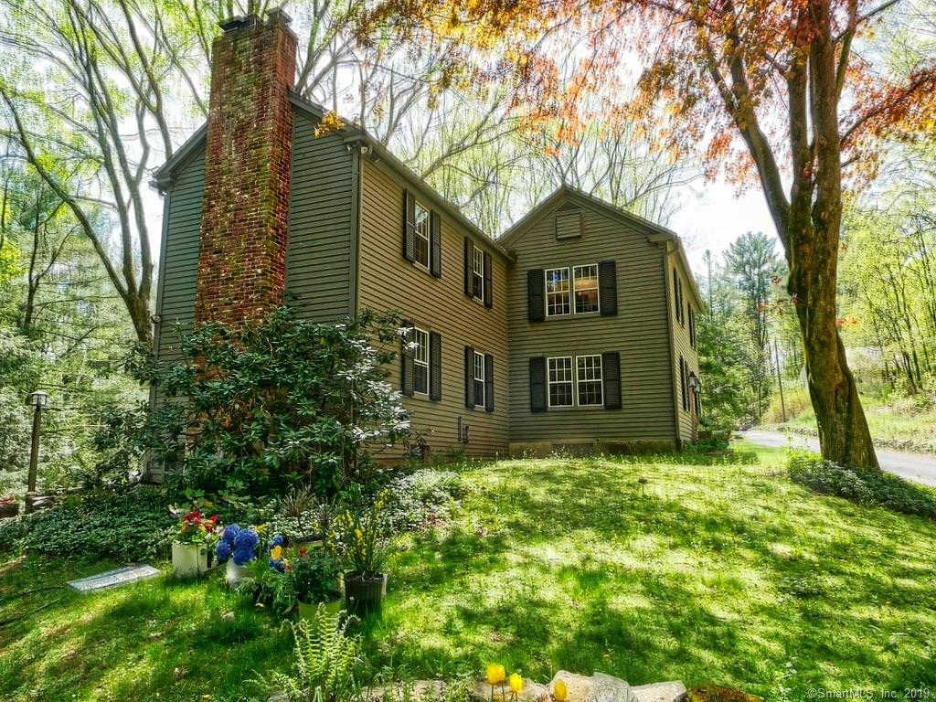Video Tour  - 206 Westwood Road, Woodbury, CT 06798