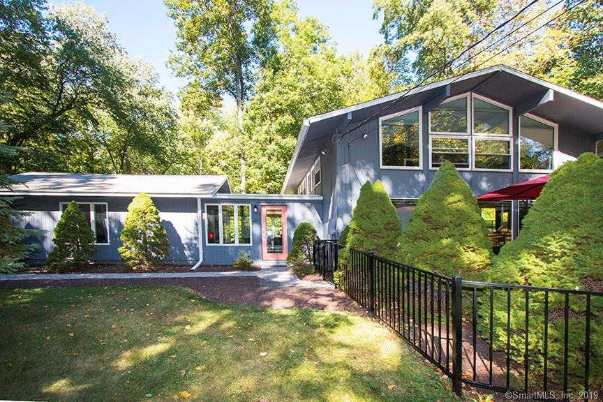 141 Florida Hill Road, Ridgefield, CT 06877 now has a new price of $518,500!