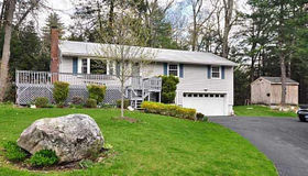 8 Sassacus Road, Avon, CT 06001