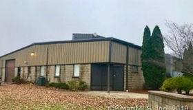 12 Hamden Park Drive, Hamden, CT 06517