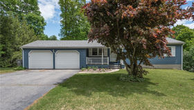 18 Wildwood Circle, Naugatuck, CT 06770