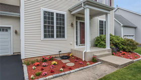 17 Traditions Boulevard #17, Southbury, CT 06488