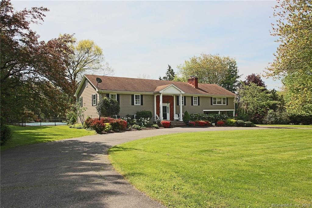 Video Tour  - 31 Morning Glory Drive, Easton, CT 06612