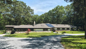 21 Pine Ridge, Woodbridge, CT 06525