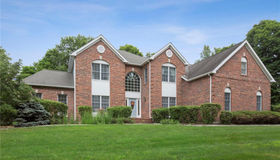 10 Whitewood Road, Newtown, CT 06470