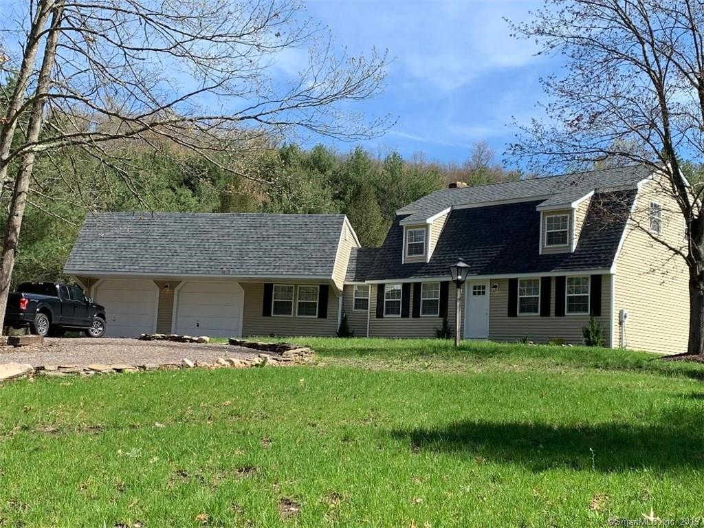 455 Toll Gate Road, Glastonbury, CT 06073 is now new to the market!