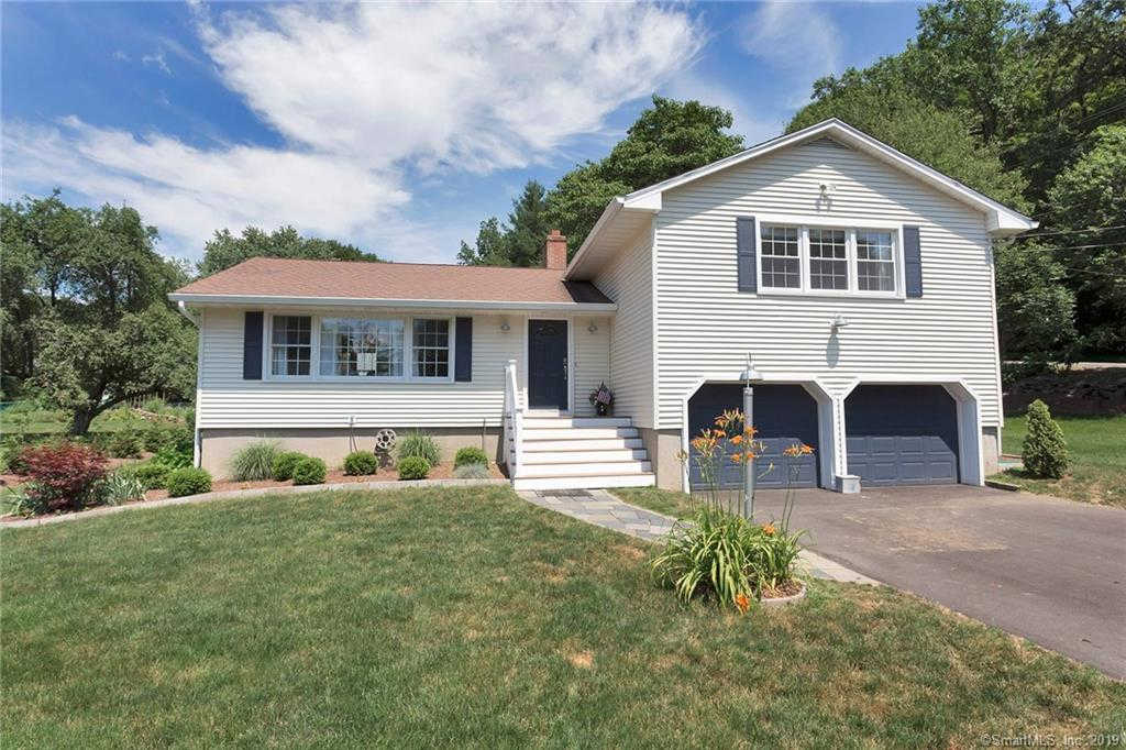 Video Tour  - 12 Weeping Willow Lane, Fairfield, CT 06825