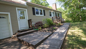 17 North Forest Circle, West Haven, CT 06516