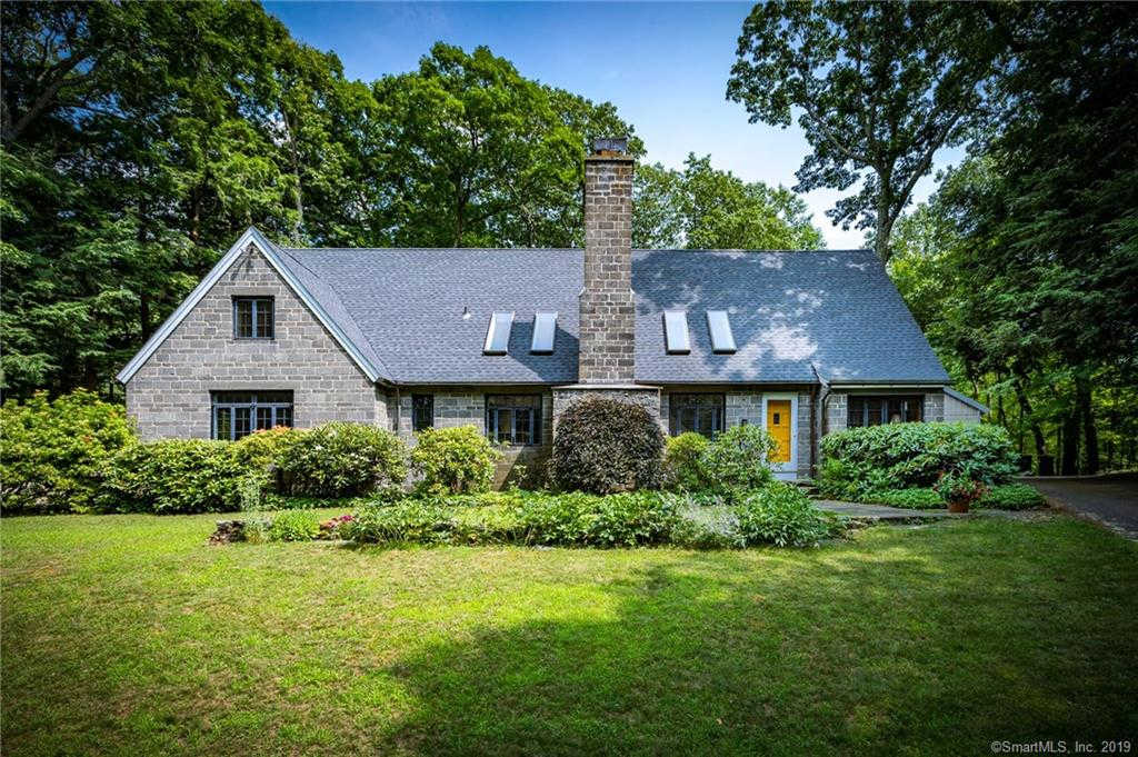 4 Old Oscaleta Road, Ridgefield, CT 06877 now has a new price of $740,000!