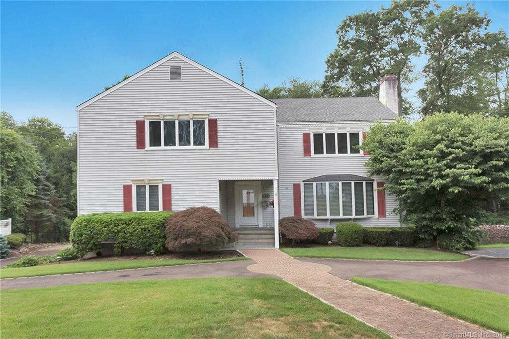 140 Club Road, Stamford, CT 06905 has an Open House on  Sunday, January 12, 2020 1:00 PM to 3:00 PM