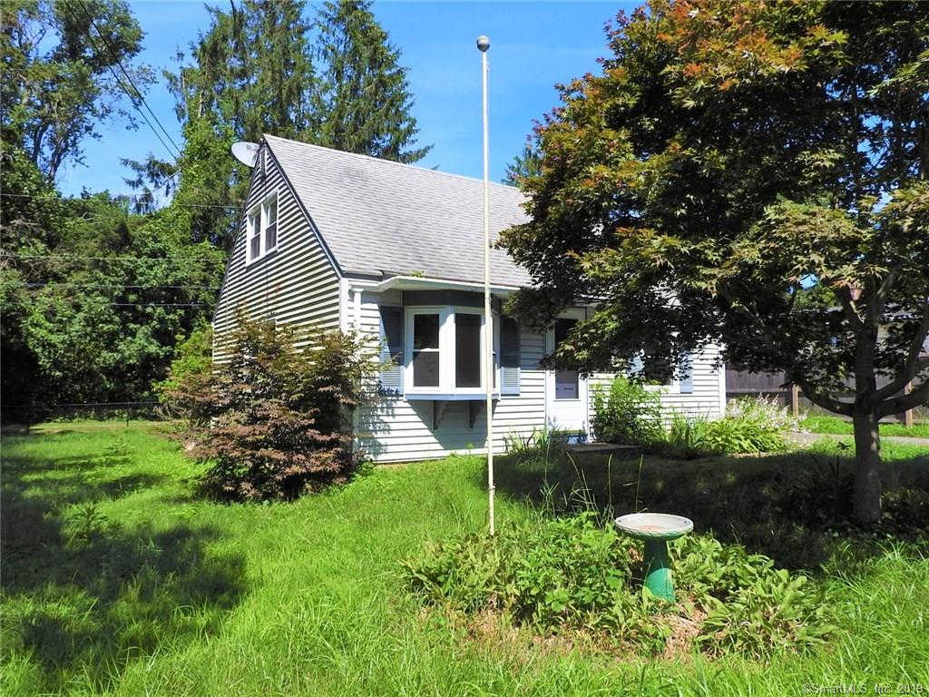 5 Knutson Road, Old Lyme, CT 06371 is now new to the market!