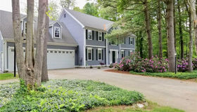561 Oakwood Drive, Glastonbury, CT 06033
