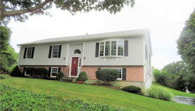 31 5th Avenue, Waterford, CT 06385