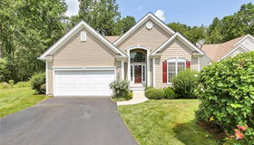 80 Links Way #80, Oxford, CT 06478