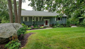 4 Jonathan Law Court, Waterford, CT 06385
