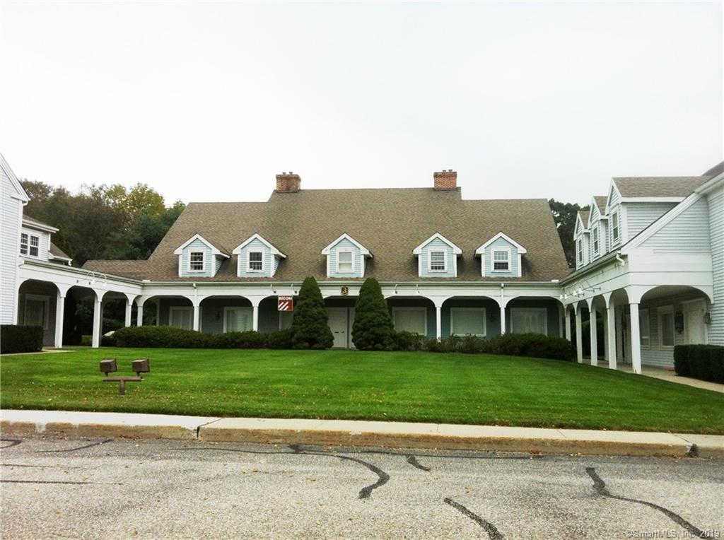 755 Main Street #3-2C, Monroe, CT 06468 is now new to the market!
